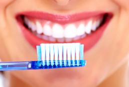 Manual toothbrushes